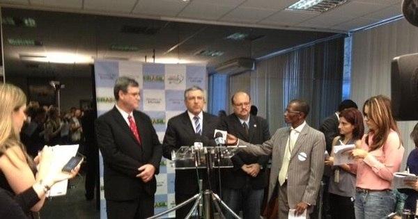 Brasil trará 4.000 médicos cubanos - Notícias - R7 Saúde