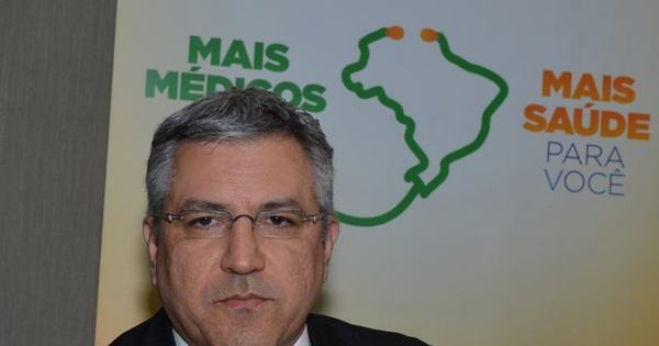 Médicos cubanos custarão R$ 511 milhões e começam a chegar na ...