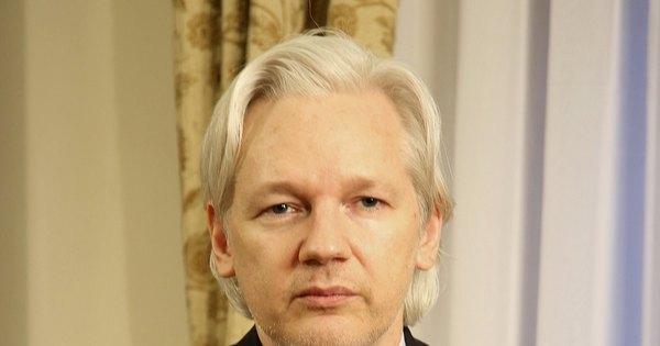 Brasil está sendo invadido pelos Estados Unidos, diz Assange ...