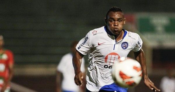 Com gol de Obina, Bahia vence a Lusa no Canindé pela Copa Sul ...