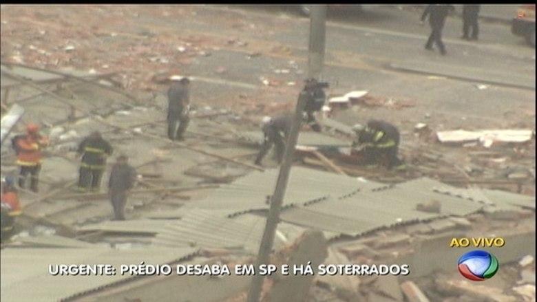 Dois helicópteros Águia da Polícia Militar foram acionados para apoiar os bombeiros