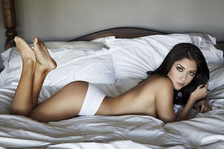 Arianny Celeste é figurinha marcada em ensaios sensuais nos EUA. Pela foto dá para entender o motivo
