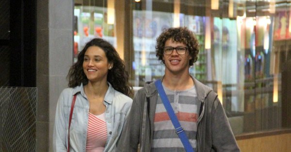 José Loreto e Débora Nascimento fazem passeio romântico no ...