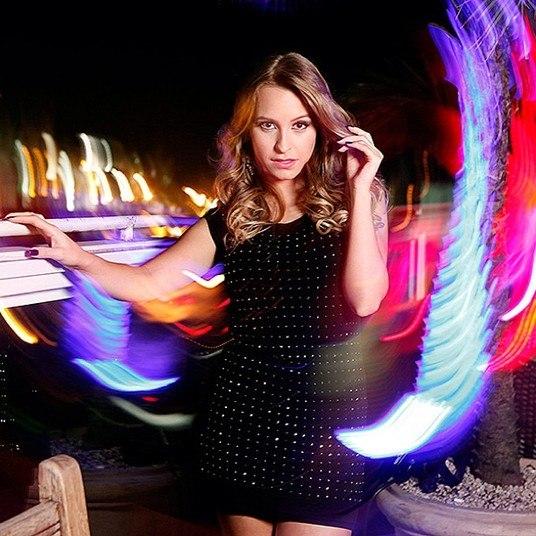 Carla Diaz continua arrasando como modelo e tem estrelado diversos ensaios fotográficos