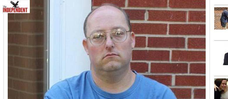 Geoffrey Portway, de 40 anos, se declarou culpado por possuir e distribuir  material contendo pornografia infantil e por crime de violência. 'Portway  se declarou culpado de alguns dos crimes mais odiosos conhecidos pela  nossa sociedade', disse um dos procuradores federais em uma recomendação  da sentença