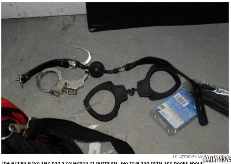 Em julho de 2012, a polícia apreendeu computadores e aparelhos de armazenamento de dados que continham mais de 4.000 fotografias e desenhos de crianças mortas, pornografia e canibalismo infantil