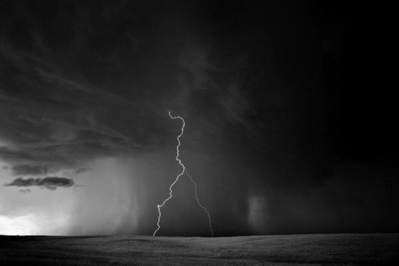 O fotógrafo Mitch Dobrowner decidiu registrar os fenômenos que assustam, porém conseguem surpreender qualquer um. Confira!