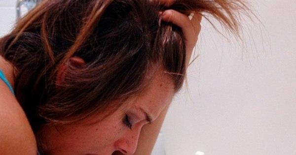 """Bulimia: """"vomitava até cinco vezes por dia"""", diz jovem que chegou a ..."""