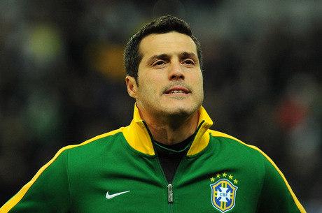 Convocação de Julio Cesar é questionada por ex-goleiros da seleção brasileira