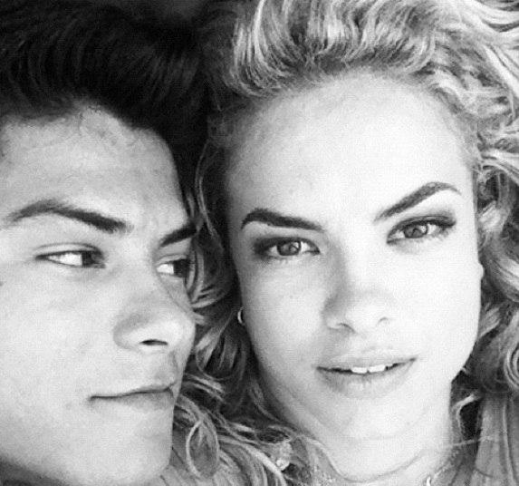 Lua Blanco e Arthur Aguiar formavam outro casal que começou a se relacionar durante as gravações da novela Rebelde, da Record. Eles foram carinhosamente apelidados de LuAr
