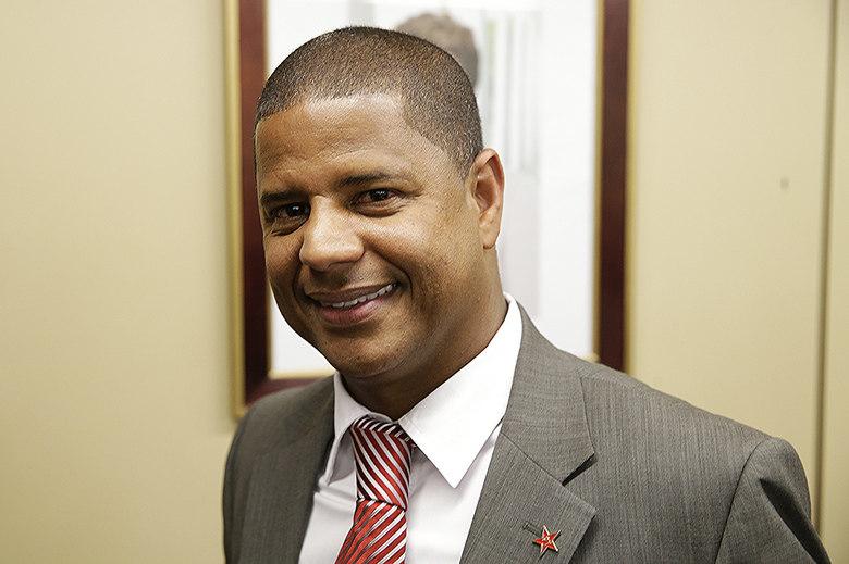 Marcelo Pereira Surcin, o ex-jogador Marcelinho Carioca (PT-SP), mira uma vaga na Assembleia Legislativa de São Paulo. Agora empresário, Marcelinho declarou ter R$ 703,8 mil em patrimônio