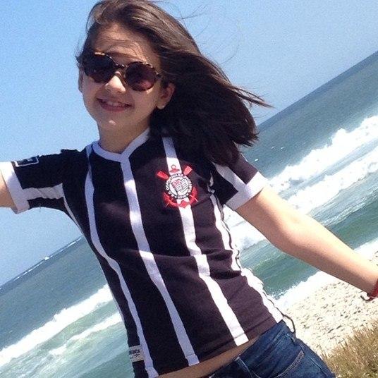Torcedora do Corinthians, Klara sempre mostra seu amor ao time de futebol nas redes sociais