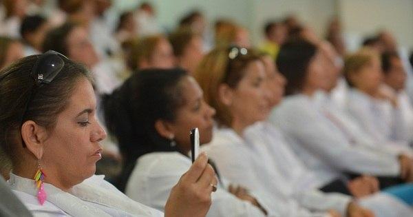Nova leva de médicos cubanos tem dificuldade em falar português ...