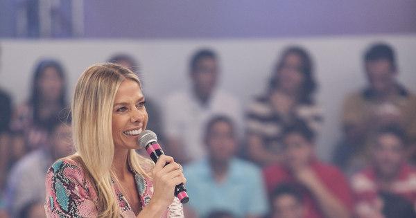 """Adriane Galisteu ri por estar no top 5 de Frota: """"Eu não transei com ..."""