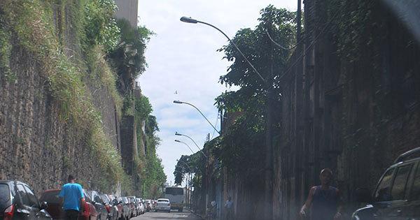 Idosa é atropelada por ônibus no bairro do comércio - Notícias - R7 ...