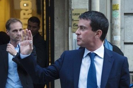 Após atentados de Paris, premiê francês alerta que país pode sofrer ataques químicos de terroristas