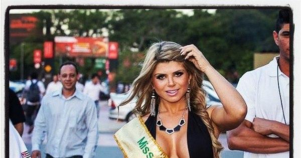 """Miss bumbum Carine Felizardo critica Andressa Urach: """"Ela tem ..."""