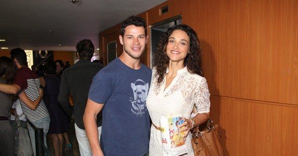 José Loreto diz que já está morando com Débora Nascimento ...
