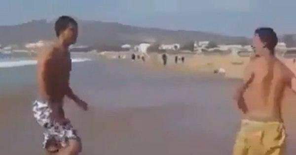 Praia é lugar de luta livre? Esse cara acha que sim - Notícias - R7 ...