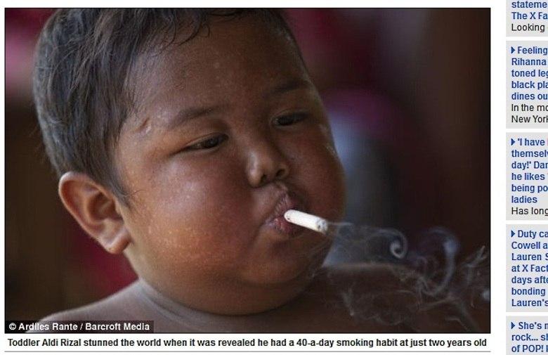 Com apenas dois anos de idade, o pequeno Aldi Rizal, de Sumatra, na Indonésia, chocou o mundo ao ser fotografado fumando cigarro. Agora, aos cinco anos e ex-fumante, o menino adquiriu um novo vício: comer. As informações são do site Daily Mail desta segunda-feira (18)Cigarro eletrônico pode salvar milhões de vidas, dizem especialistas