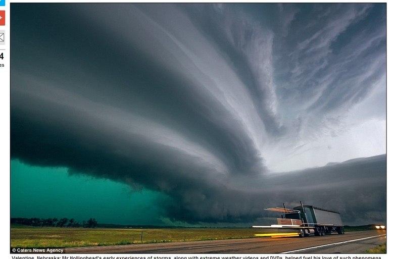 Valentine, Nebraska, foi uma das primeiras experiências de Hollinghead com tempestades