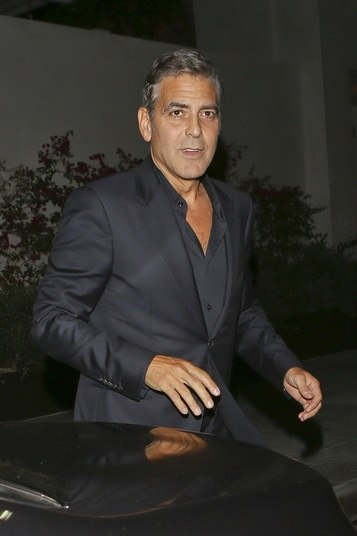 George Clooney é daquele tipo de homem que parece que só fica ainda mais bonito com o passar dos anos. Aos 52 anos, ele se mostra irresistível