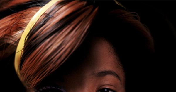 Fotógrafa transforma mulheres comuns em Barbies negras - Fotos ...