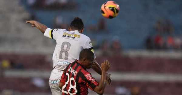 Cícero brilha, Santos vira e complica o Atlético-PR - Esportes - R7 ...