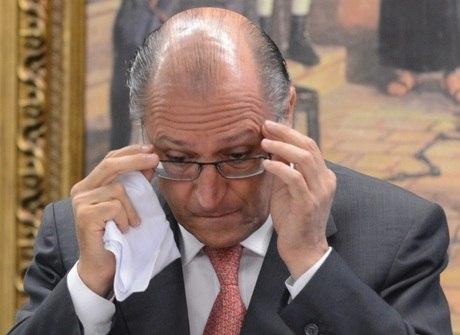 Fechamento de escolas estaduais mancha gestão de Alckmin em SP