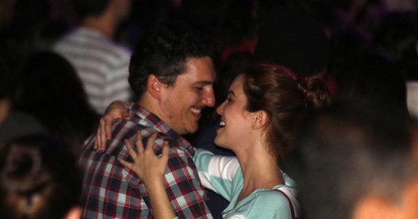 Nathalia Dill dança agarradinha com namorado em evento - Fotos ...