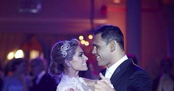Minotouro esbanja romantismo em lua de mel nas Ilhas Maldivas ...