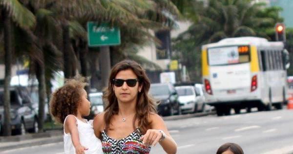 Noiva de Ronaldo, Paula Morais se diverte com filha do ex-jogador ...