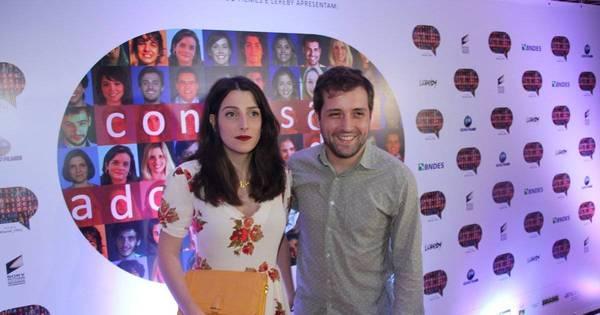 Quase um ano após separação, Clarice Falcão e Gregorio Duvivier ...