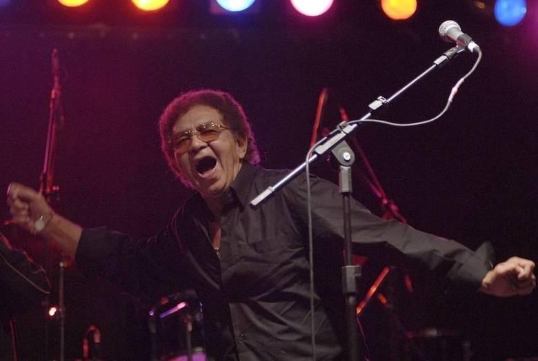 Com mais de 50 álbuns lançados, o cantor recebeu 14 discos de ouro, entre eles dois de platina, um de platina duplo e um de diamante