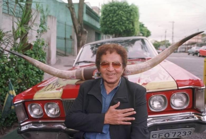 Rossi era um representante dos cornos e não se importava se isso o fazia o rei do brega. Como muito orgulho ele levava o título