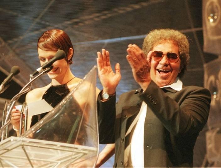 Rossi começou a carreira imitando Roberto Carlos, no início de 1964. Acompanhando pela banda The Silver Jets, ele se apresentava em bares da capital pernambucana