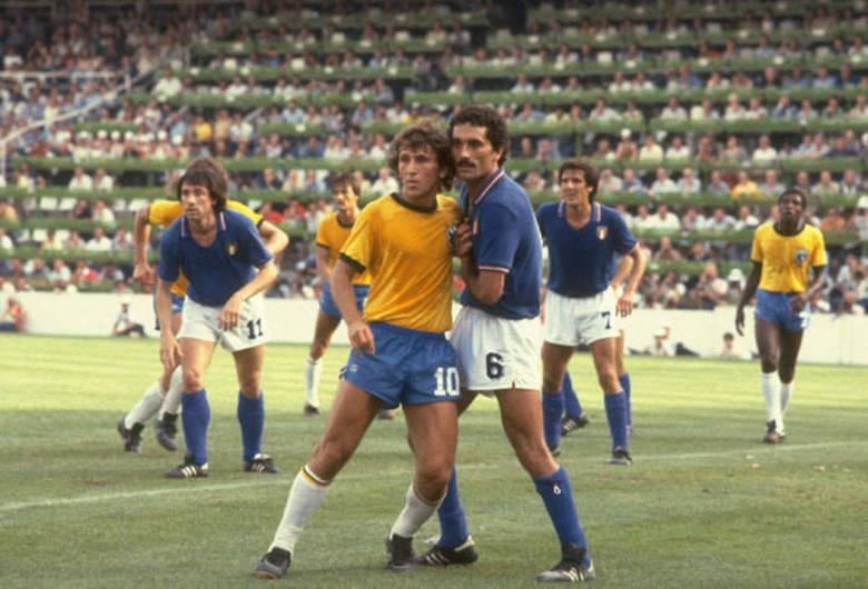O time de Zico disputou a Copa do Mundo de 1982 pela primeira vez com a sigla CBF, de Confederação Brasileira de Futebol, na camisa. O tradicional escudo deu lugar ao troféu Julies Rimet. Dona de um verdadeiro futebol-arte, o time acabou eliminado pela Itália de Paolo Rossi