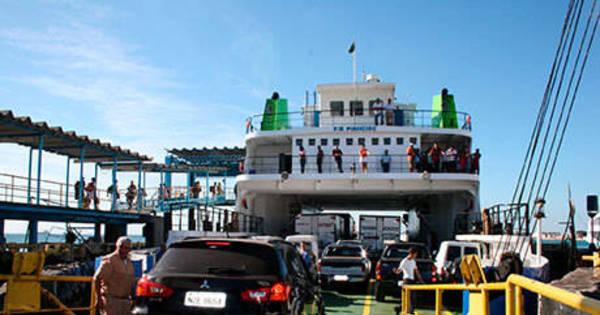 Ferry boat tem movimento intenso neste sábado (17) - R7