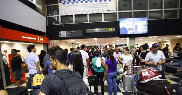 Movimentação de passageiros é intensa no Aeroporto de ...