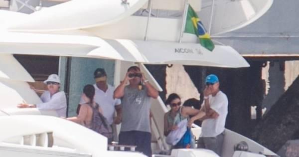 Aproveitando o sol, Dilma dá passeio de lancha com a família ...