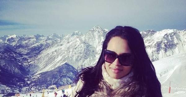 Ariadna Arantes curte a neve na Itália - Fotos - R7 Famosos e TV