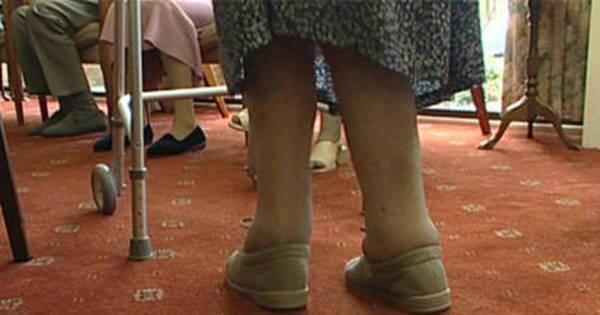 Gastos com cuidador de idosos poderão ser abatidos do Imposto de ...