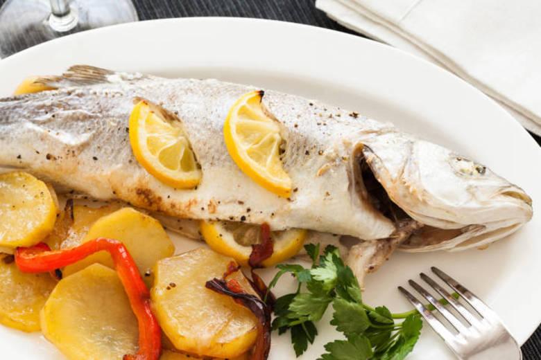 Uma dieta rica em ômega 3 – presente nos peixes – pode diminuir drasticamente o risco de uma pessoa desenvolver problemas de visão em idades avançadas