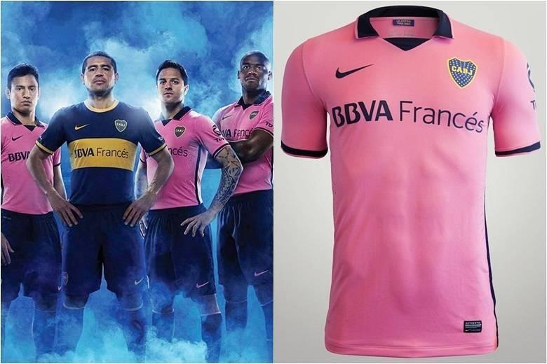 A preferência pela camisa rosa do Boca Juniors causou certa polêmica na Argentina. Até o craque do time, Román Riquelme, declarou não gostar do uniforme — isso explica o fato de o astro vestir o uniforme 1 na fotoSaiba tudo sobre esportes! AcesseR7.com/esportes