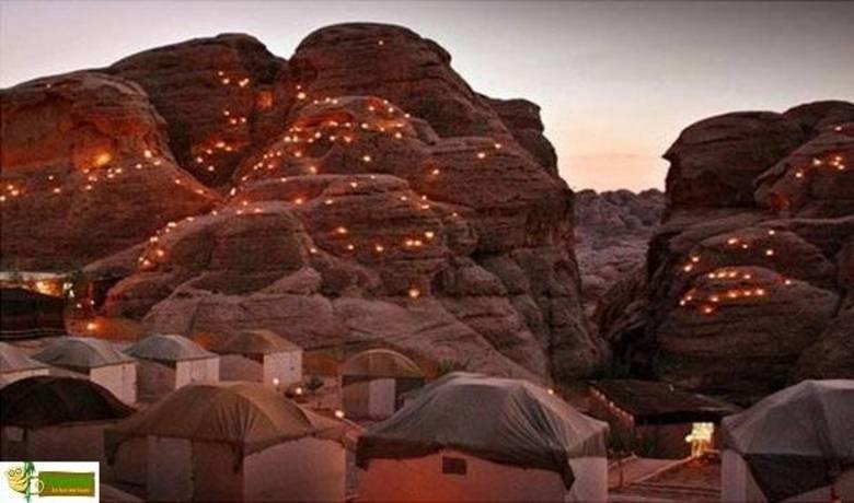 A Jordânia também tem um estilo das antigas, para você dormir como um beduíno, em uma tendinha no deserto