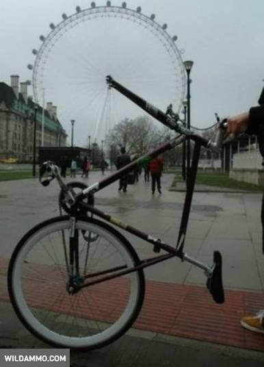 — Acho que você poderia usar um aro menor na sua bike, cara