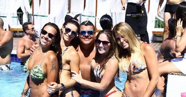 Anamara e Angelis Borges curtem festa na piscina - Fotos - R7 ...