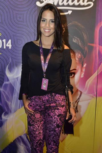Pérola Faria também curtiu de perto o primeiro DVD da jovem cantora