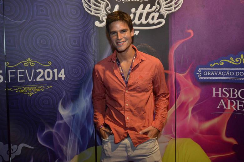 Jonatas Faro vai a gravação do primeiro DVD de Anitta