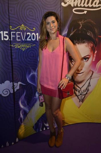 Fernanda Paes Leme montou um look 'meigo e abusado' para a noite